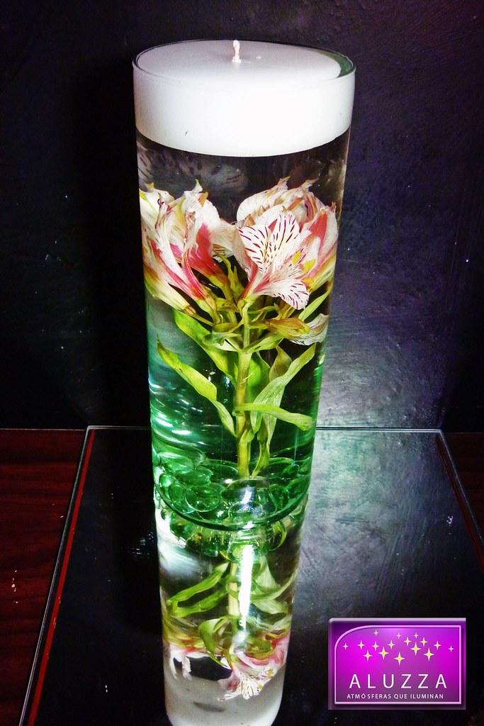 Centro de mesa de florero de cristal con vela flotante par flickr - Sobre de cristal para mesa ...