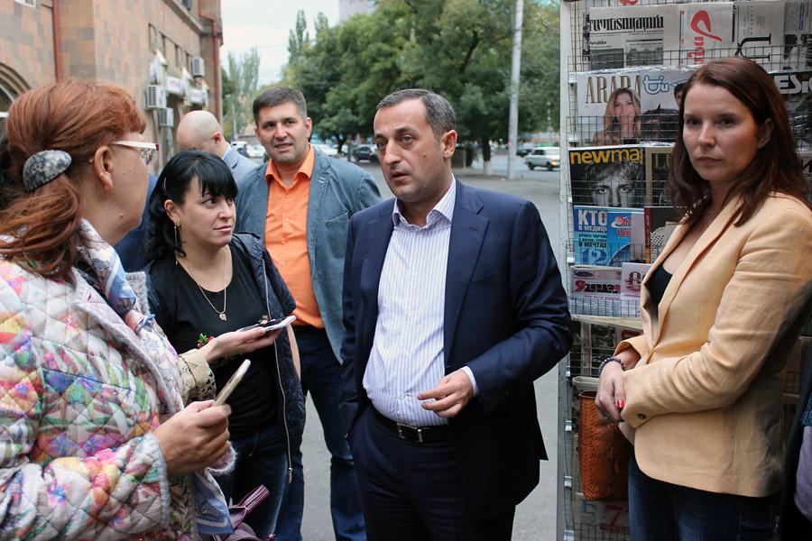 03-kiosks-yerevan-arpp-2016