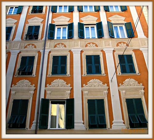 Affacciati alla finestra amore mio una facciata a santa - Affacciati alla finestra amore mio ...