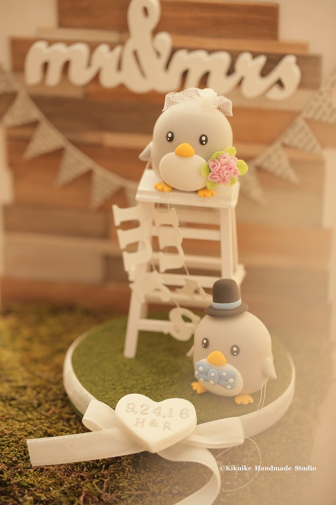 Cool Penguin Wedding Cake Topper With The Handmade Ladder And T Gamerscity Chair Design For Home Gamerscityorg
