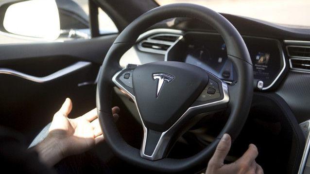 Tesla Smetta Di Ingannare Gli Utenti Col Termine Autopilot