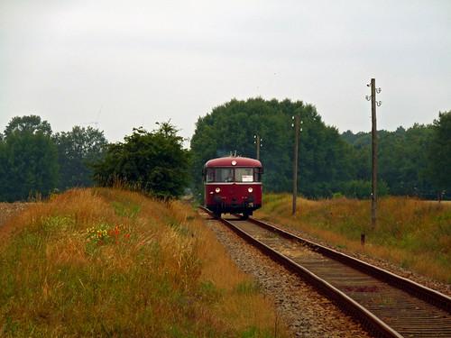 Jetzt bleibt nur noch zu sagen »Mach's gut, Uerdinger!«, nun ist auch die letzte Bahnstrecke Deutschlands Geschichte, auf der ein Schienenbus im planmäßigen Betrieb als Standardfahrzeug zum Einsatz kam.