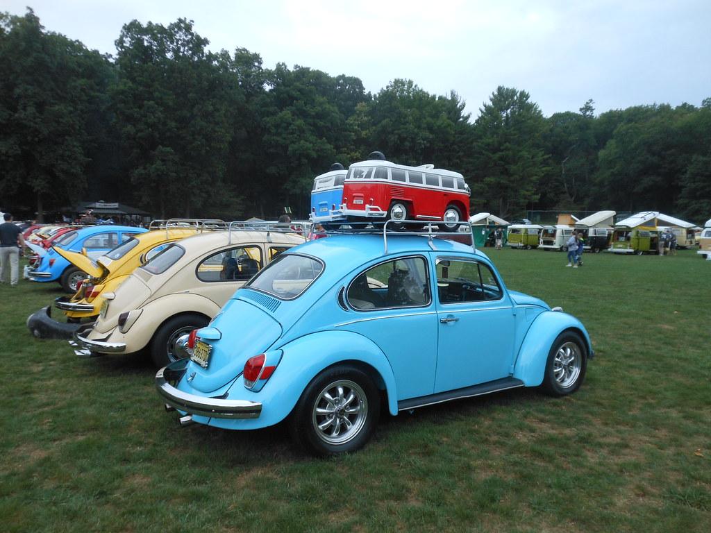 light blue 1971 beetle with sport wheels this 1971 bug ca flickr. Black Bedroom Furniture Sets. Home Design Ideas