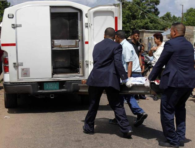 Se resistió a entregar sus pertenencias y uno de los asaltantes procedió a tirotearlo, en San Félix