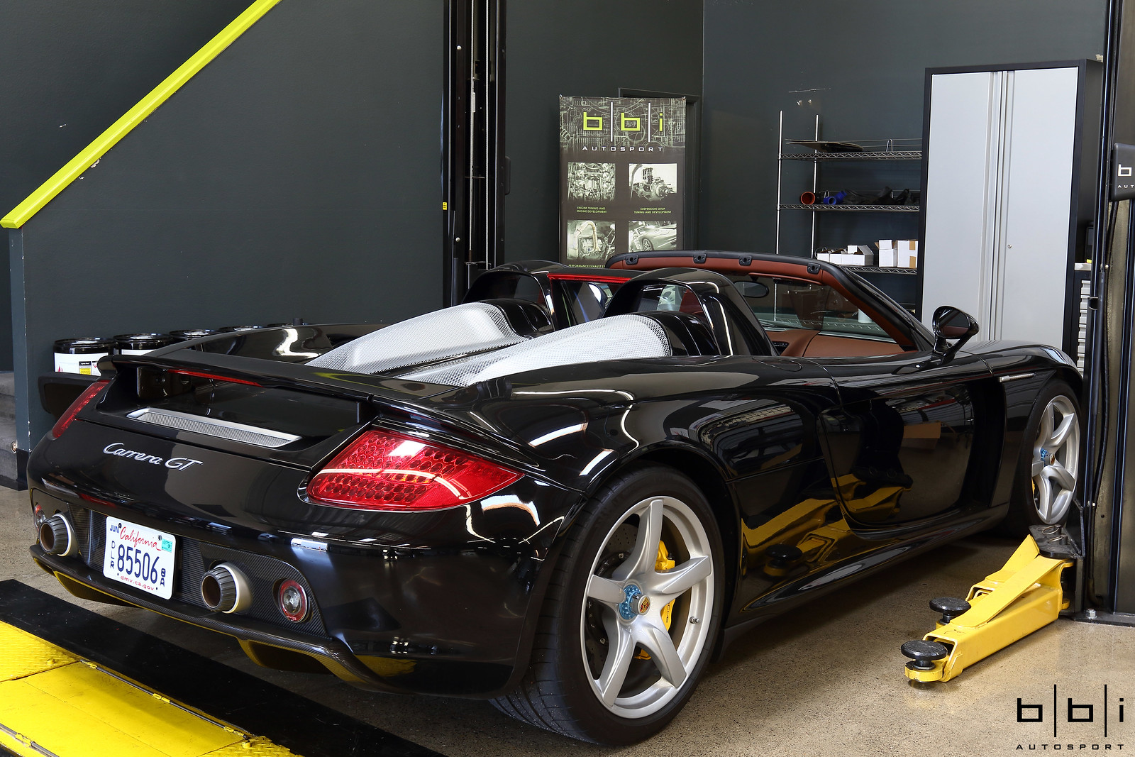 black porsche carrera gt 0967 at bbi autosport for annual service rennlist porsche. Black Bedroom Furniture Sets. Home Design Ideas