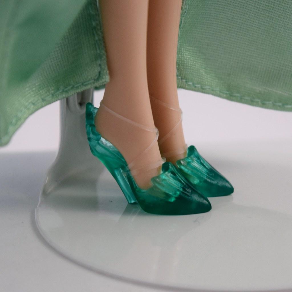 Elsa Frozen Fever Doll By Mattel Deboxed Standing Ca