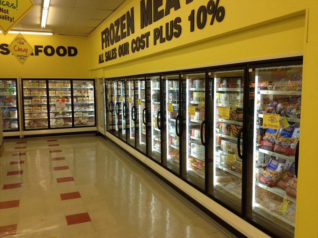 Tube Lighting In Grocery Store Freezers Flickr
