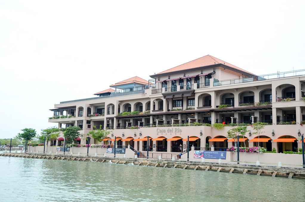 Casa de Rio, a hotel facing Malacca River.