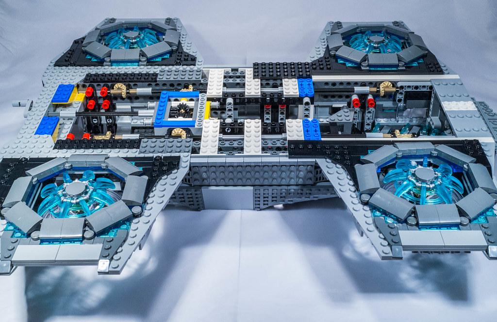 Lego 76042 - Shield's Hellicarrier | Lego 76042 Marvel ...
