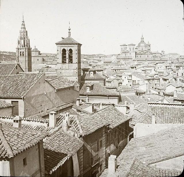 Torre de la Magdalena hacia 1905 fotografiado por Alois Beer. Fotografía editada y publicada por E. Mazo para linterna mágica MTFFD026485_P