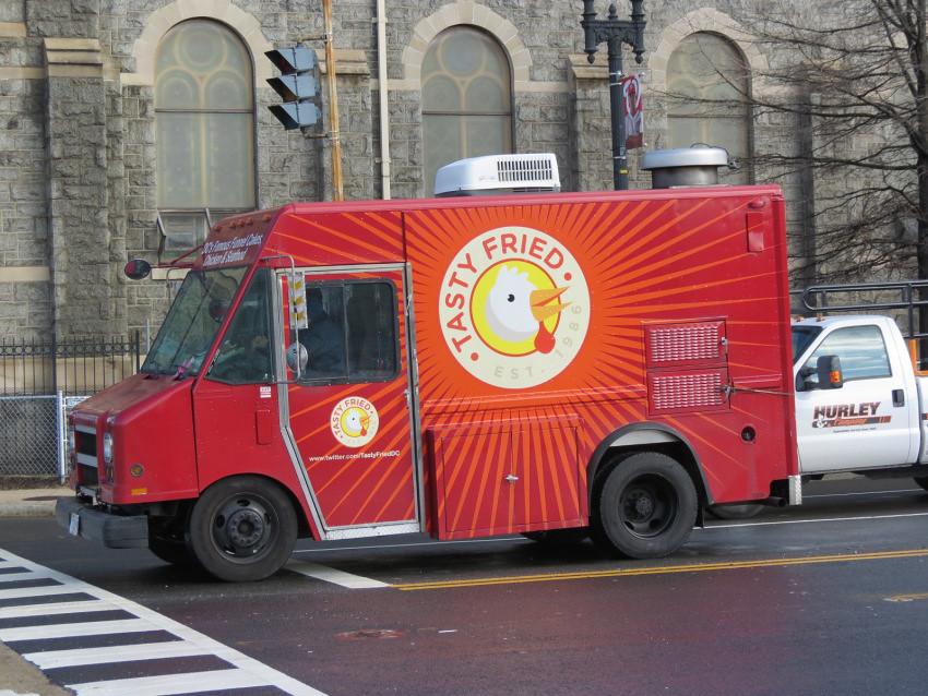 Tasty Fried Chicken Van Food Van In Dc Leafshockeyfan Flickr