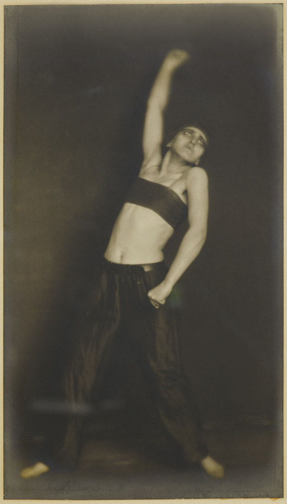 "Germaine KRULL, Jo Mihaly, Danse ""Révolution"", 1925, Museum Folkwang Essen"