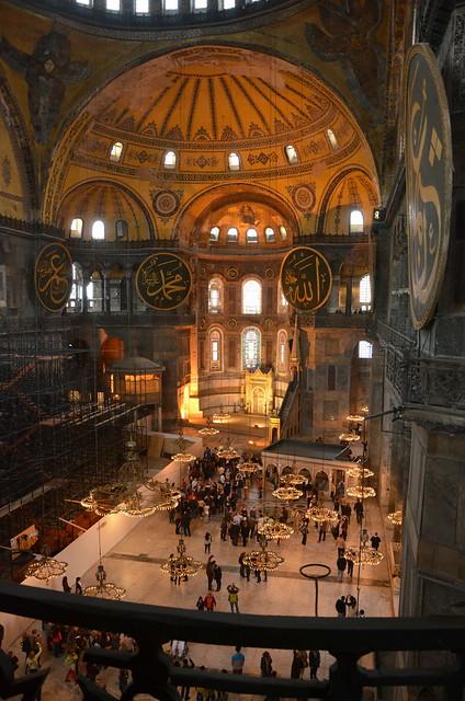 Blick von der Galerie auf den Innenraum der Hagia Sofia