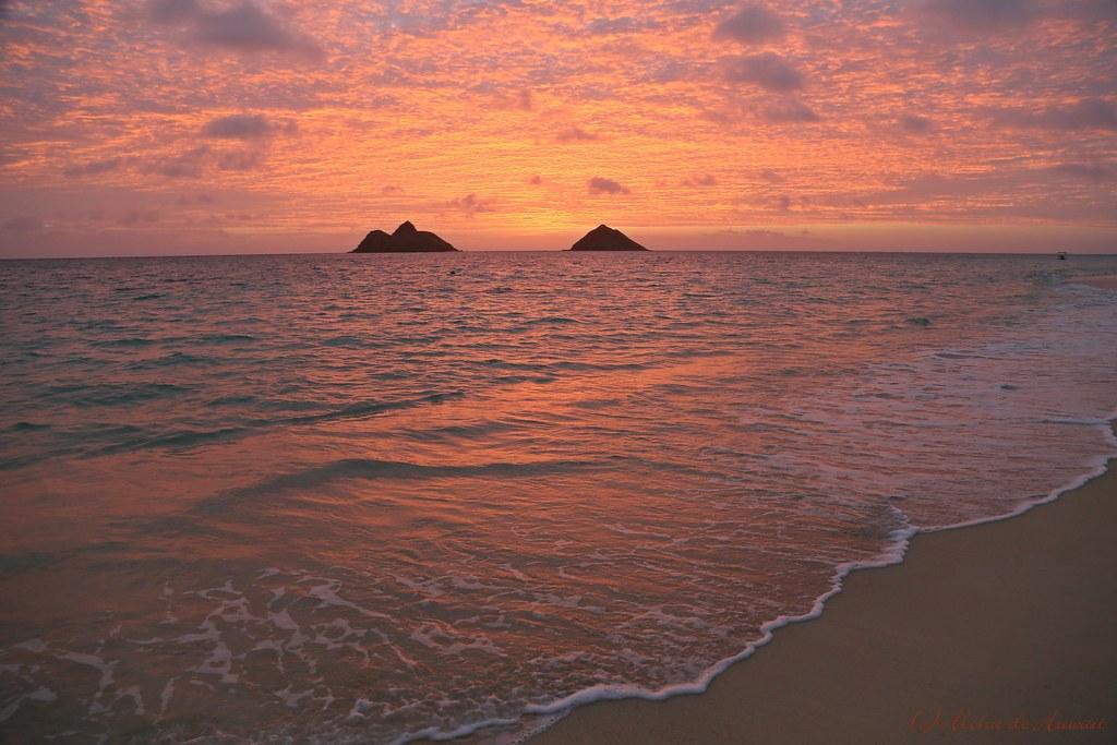Na Mokulua Hawaii: Sunrise At Lanikai Beach, Oahu