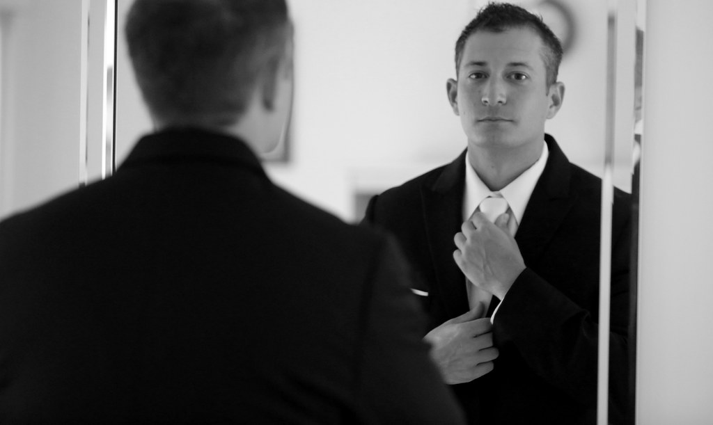Groom getting ready for Wedding l Bryce Lafoon Photography