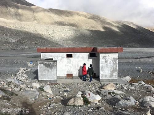 西藏廁所 toilets in Tibet