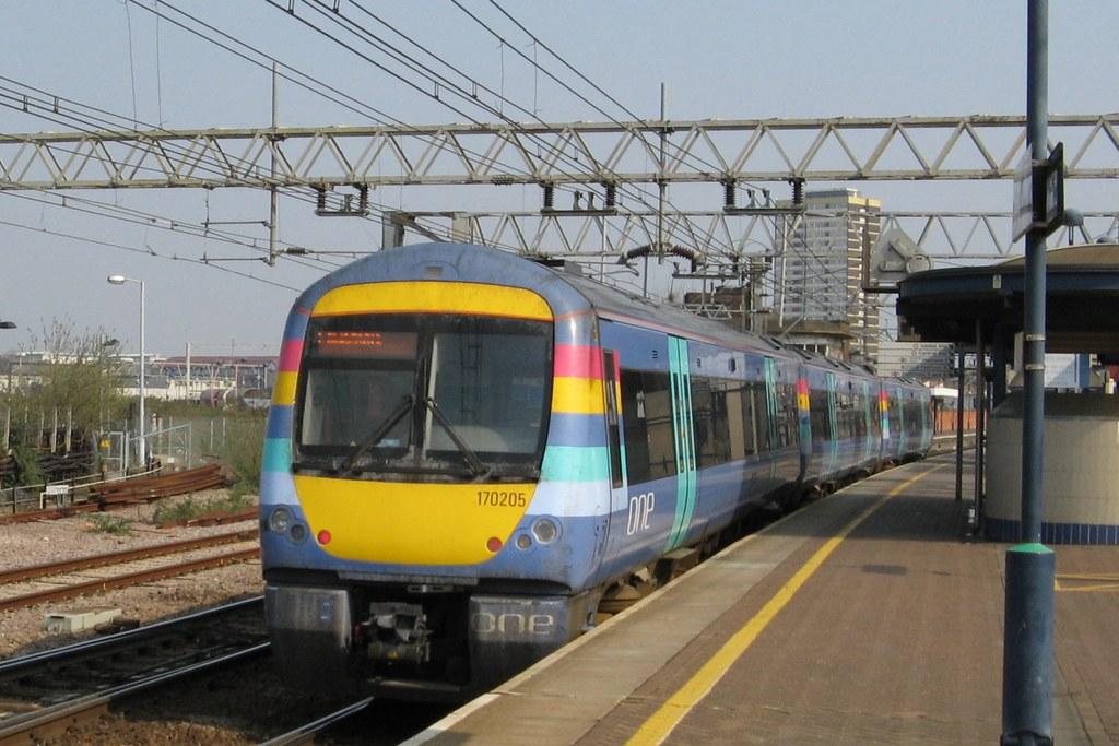 170205 at Stratford, 31.3.2007