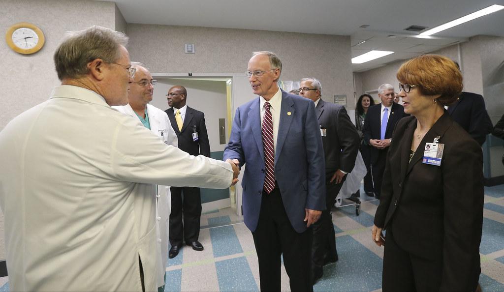 Di6t9746 Alabama Gov Robert Bentley Greets Physicians