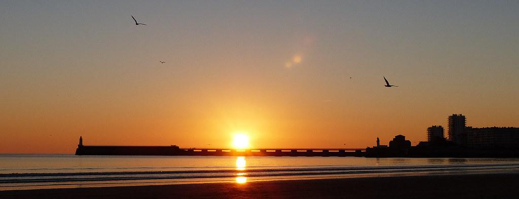 Les sables d 39 olonne coucher de soleil sur la jet e flickr - Office de tourisme les sables d olonne ...