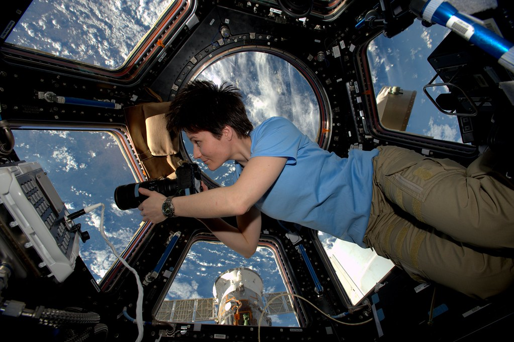 an astronaut in space will observe the sky as - photo #27