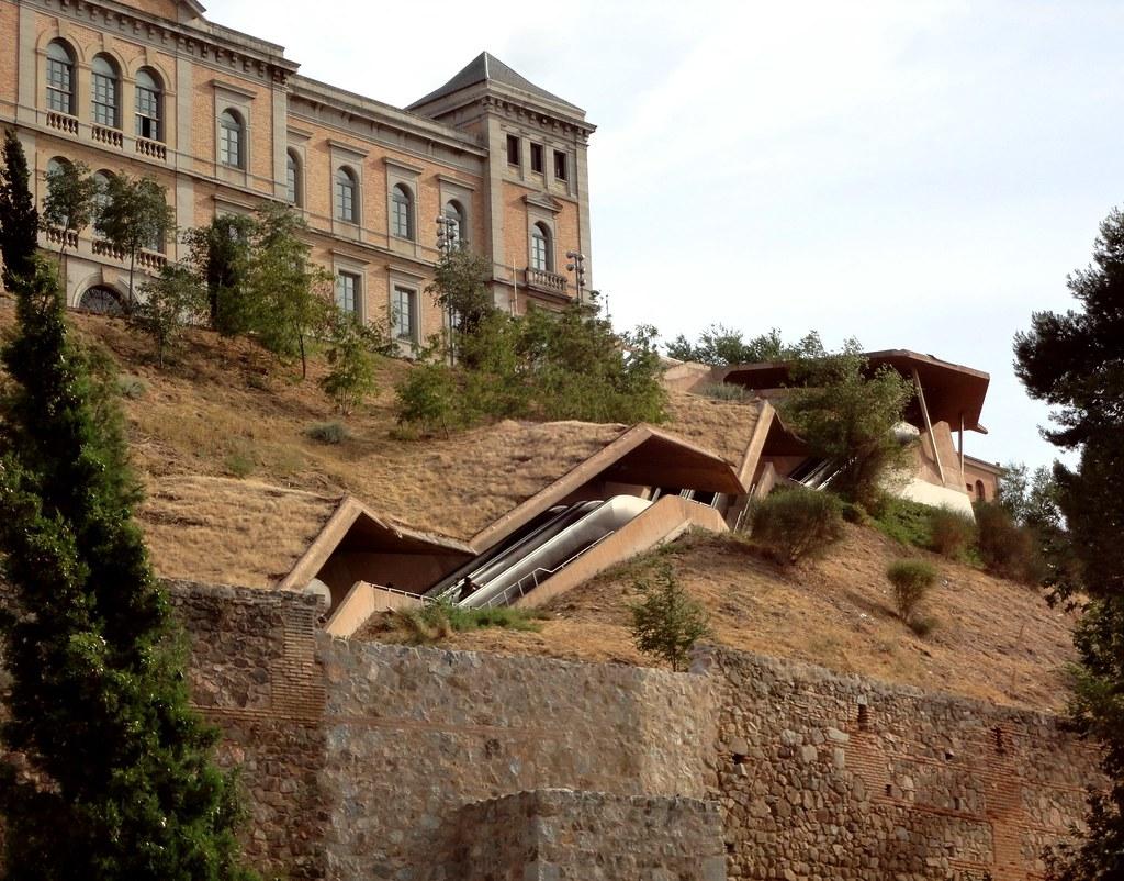 El as torres y jos antonio mart nez lape a escaleras me for Escaleras toledo