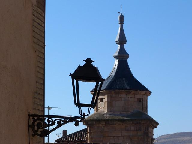 Torre de una iglesia en Molina de Aragón (Guadalajara)