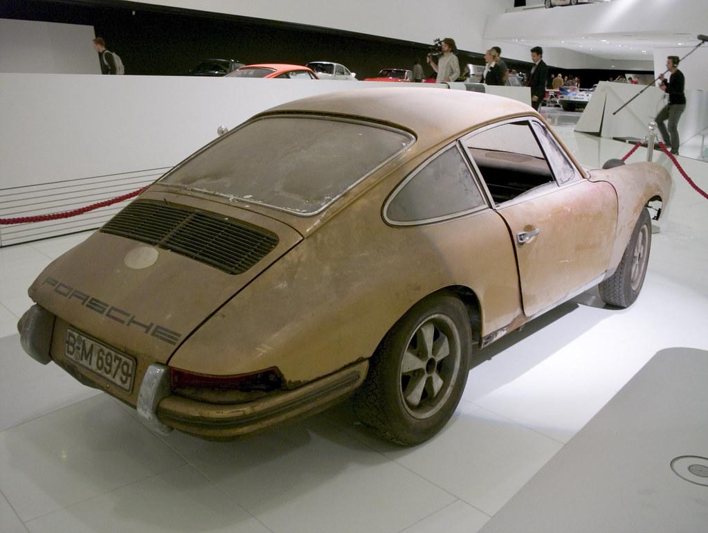 New Porsche 911 >> 1967 Porsche 911 Barn Find | It was found in a garage ...