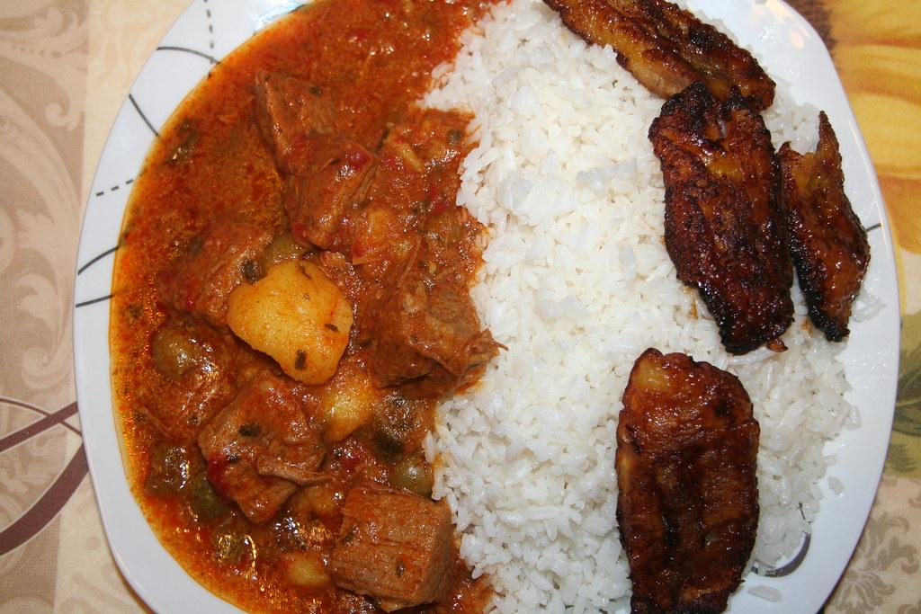 carne guisada arroz con maduros fritos carne guisada