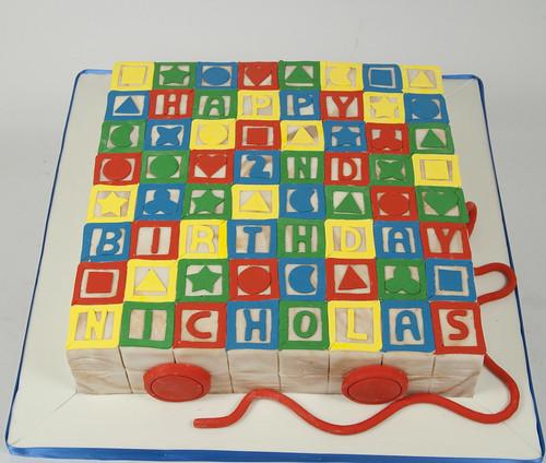 Bc4532 alphabet blocks cake toronto genevieve finley for Alphabet blocks cake decoration