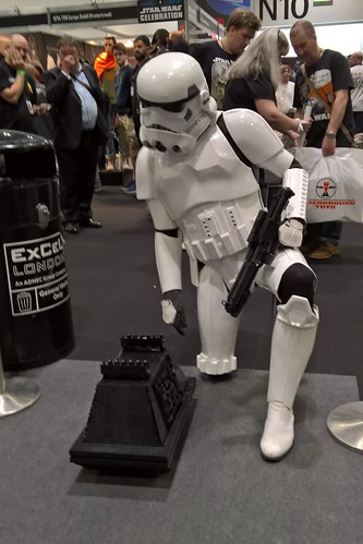 Lego MSE-6 Mouse Droid with a Stormtrooper
