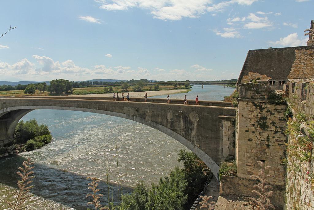 Pont du saint esprit pont saint esprit france pont du flickr - Office du tourisme pont saint esprit ...