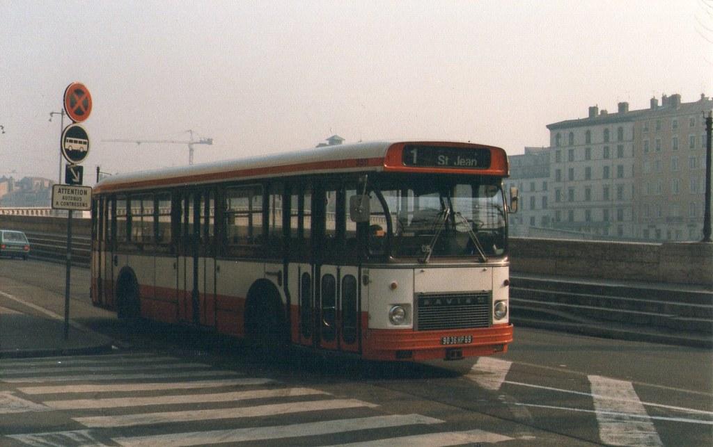 1988 lyon saint paul 69 bus tcl 1 saviem sc10 michel tinnirello flickr. Black Bedroom Furniture Sets. Home Design Ideas