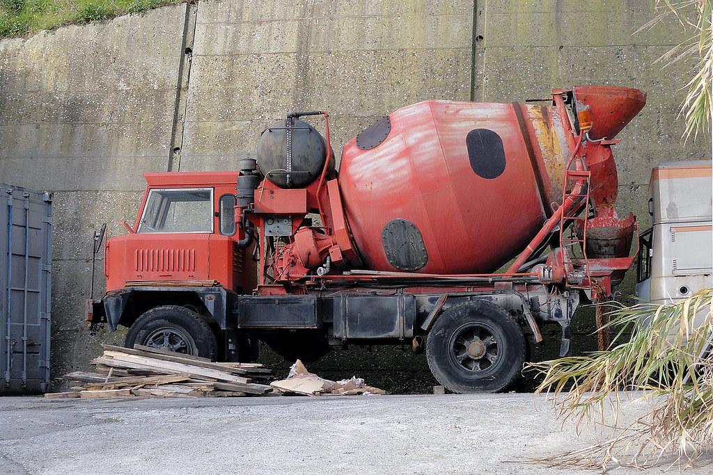 allestimento betoniere su camion 16297792759_628e135fab_b