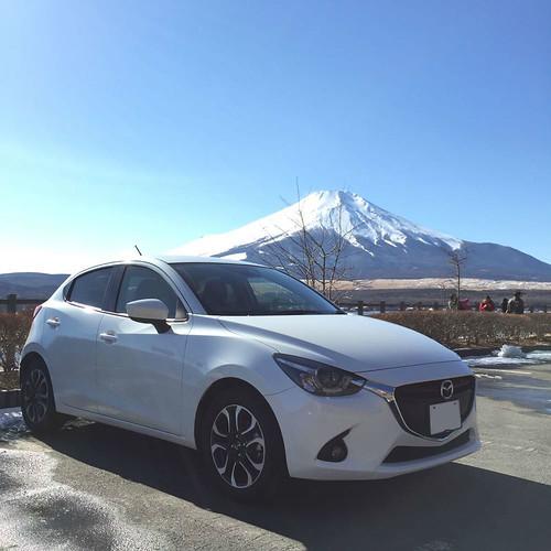 山中湖と富士山とDJデミオ