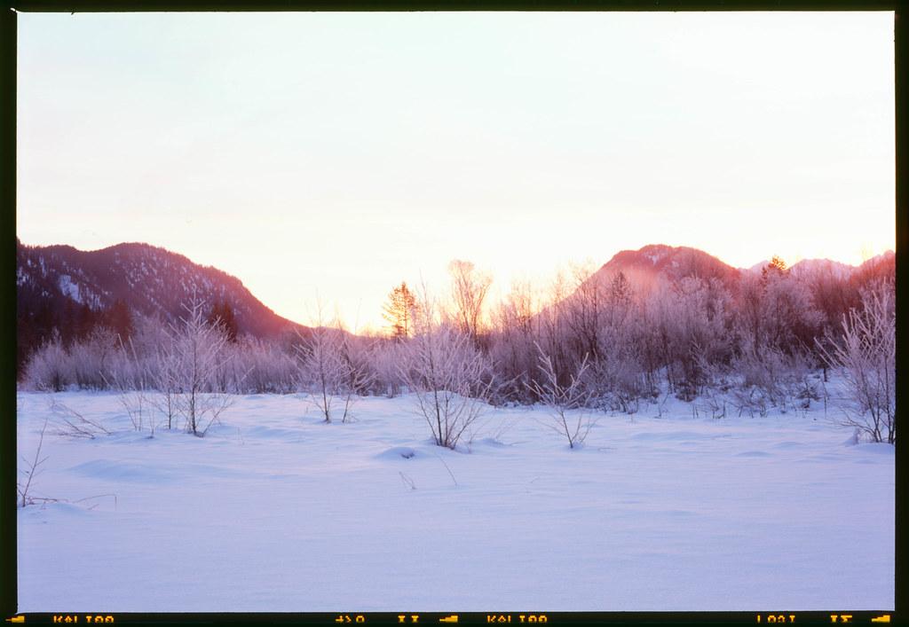 Sunset between the hills (6x9)
