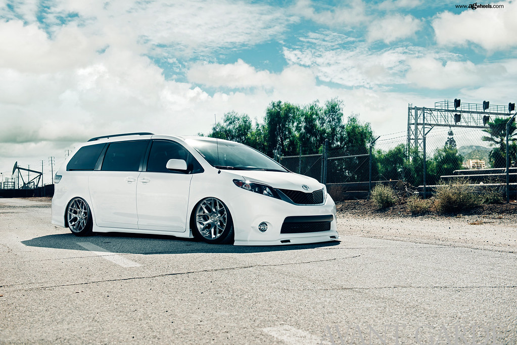 Toyota Sienna On Avant Garde M590 Brushed Stainless Flickr