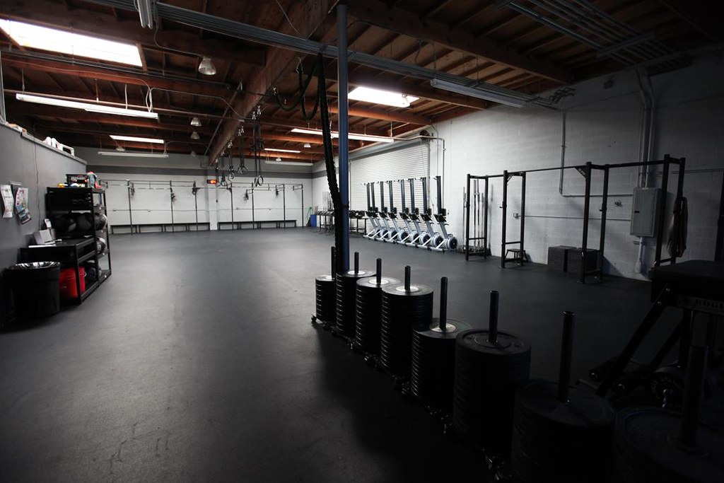 Crossfit home gym design inpiration