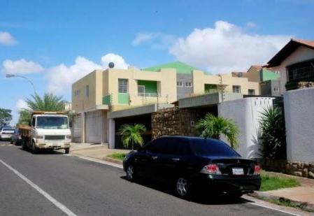 Vecinos de la Urb. La Querencia, en Puerto Ordaz, no aguantan más robos