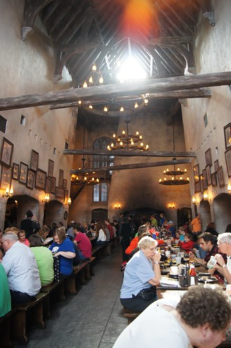 The Wizarding World of Harry Potter - Leaky Cauldron