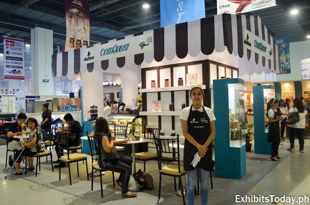 Com Quest Exhibit Booth