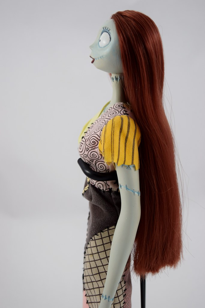sally limited edition 18 doll disney store purchase 2011 on - Nightmare Before Christmas Sally Doll
