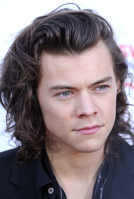 Harry Styles Just Dropped His Solo Song 'Sign Of The Times'