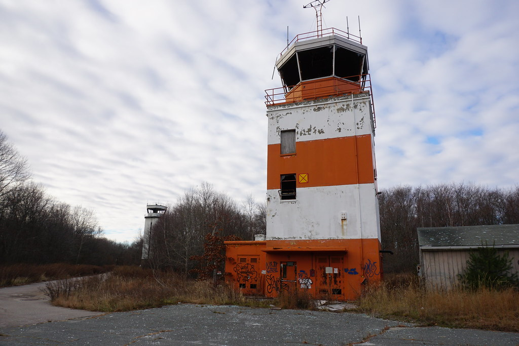 Abandoned Air Traffic Control Towers In Weymouth Ma Flickr