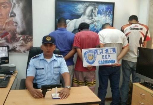 Antisociales tratan de huir y son capturados efectivos del Centro de coordinación Policial Cachamay ...