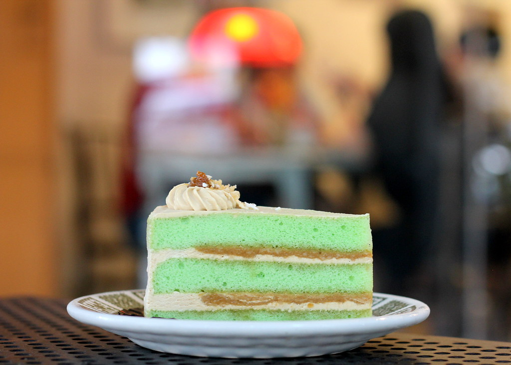 Tiong Bahru Cafes: The Orange Thimble Ondeh Ondeh Cake