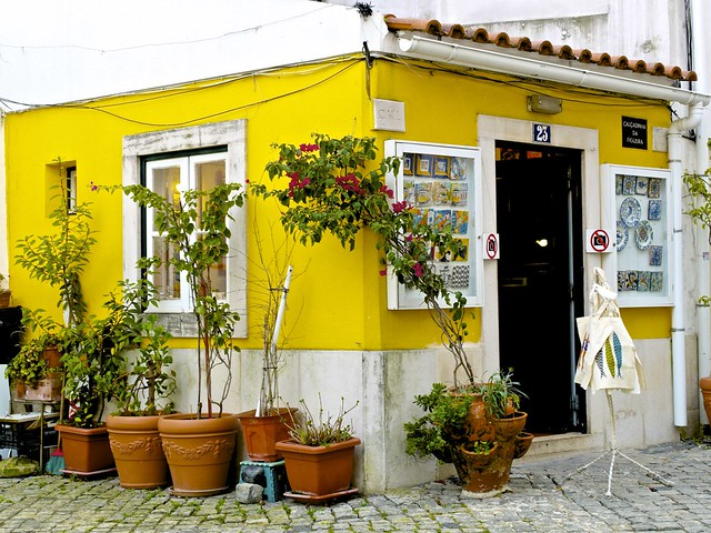 Lisbon Souvenirs: TOP 10 Shops To Simplify Your Hunting