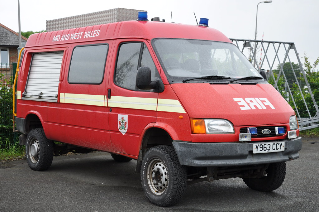 mid west wales fire rescue service 2001 ford transit 4 flickr. Black Bedroom Furniture Sets. Home Design Ideas