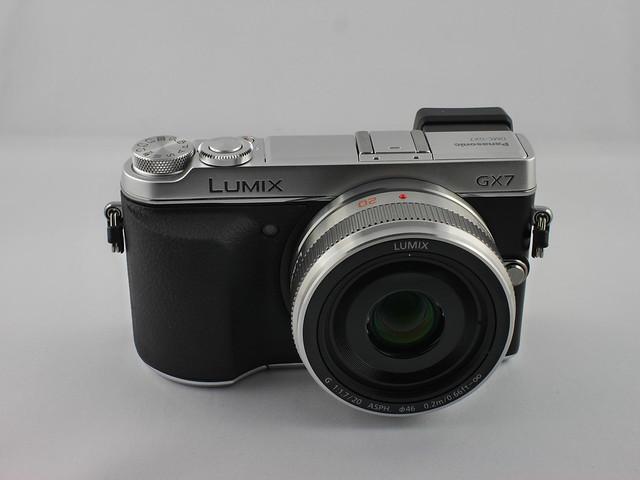 Lumix DMC-GX7 mit Objektiv H-H020AE-S