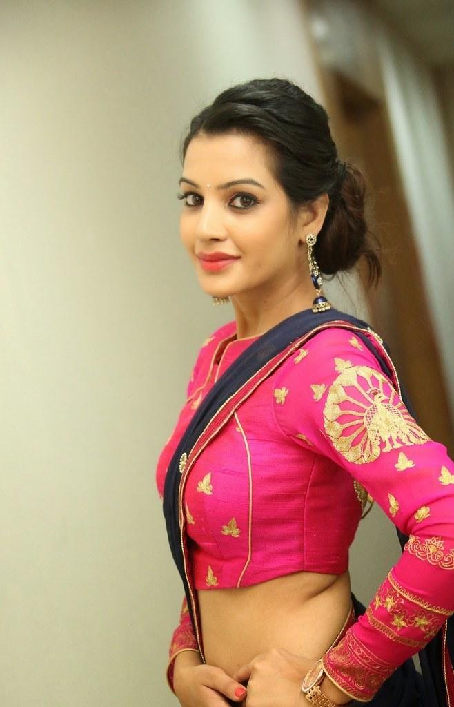 Telugu Actress Deeksha Panth Hot And Sexy Navel Show Still -5374