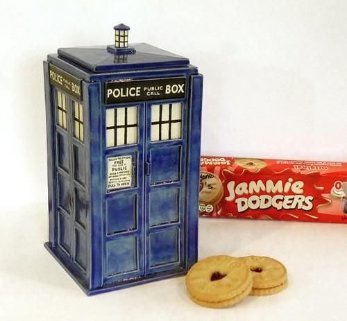Doctor Who TARDIS cookie jar by Jadeflower Ceramics on Etsy.